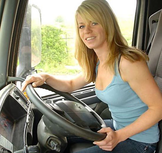 truck-driving-female-truck-driver-06